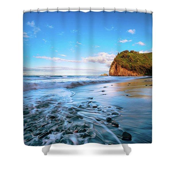 Pololu Valley Shower Curtain
