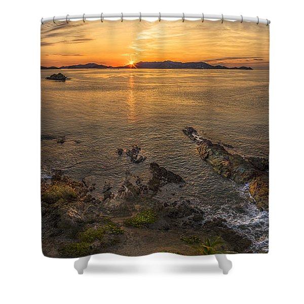 Pretty Klip Point Shower Curtain