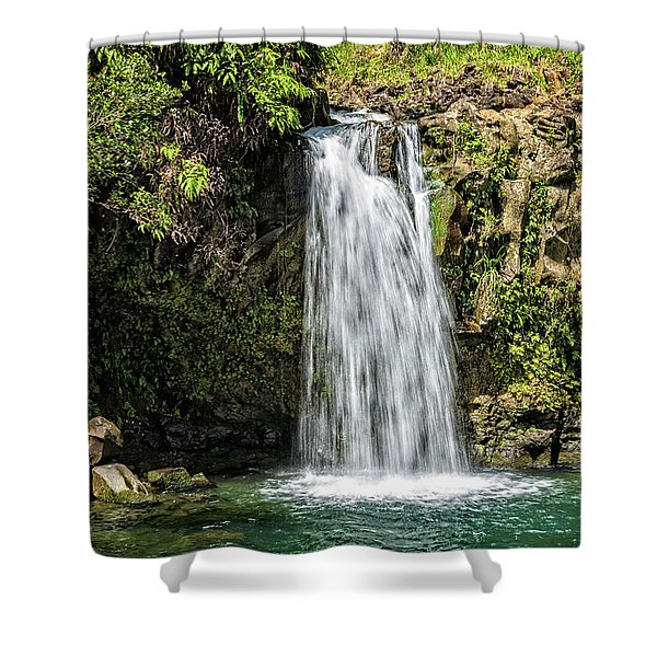Shower Curtain featuring the photograph Pua'a Ka'a Falls by Jim Thompson