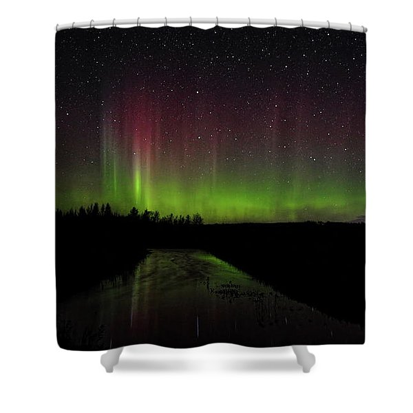 Red And Green Aurora Pillars Shower Curtain