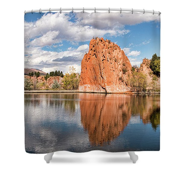 Red Rock Canyon Reservoir Shower Curtain