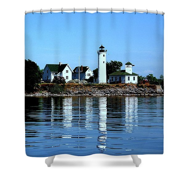 Reflections At Tibbetts Point Lighthouse Shower Curtain