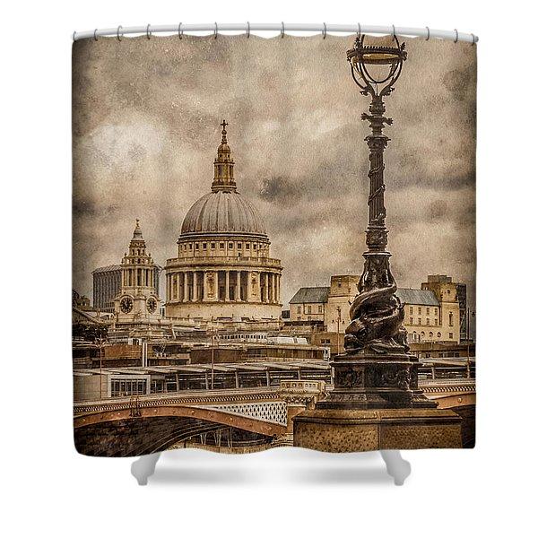 London, England - Saint Paul's Shower Curtain