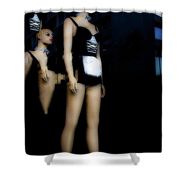 Serveuse Shower Curtain
