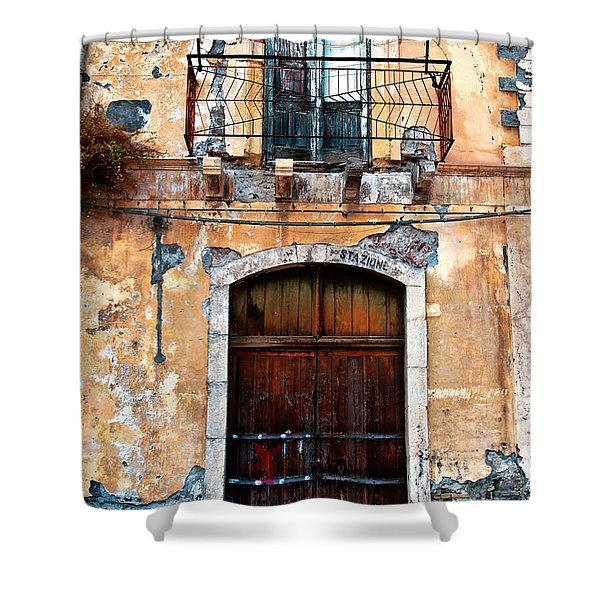 Shower Curtain featuring the photograph Sicilian Facade by Silva Wischeropp