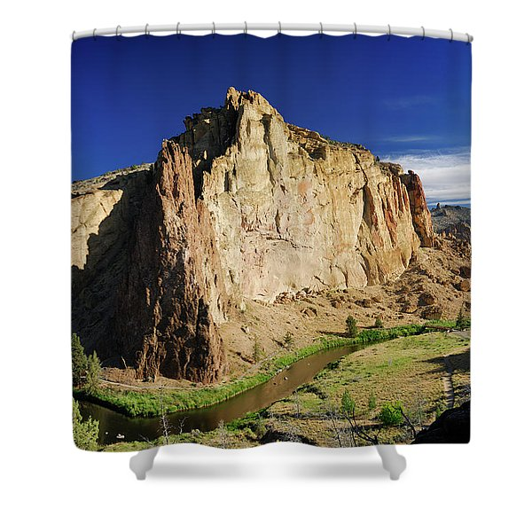 Smith Rock Morning Glory And Picnic Lunch Walls With Crooked Riv Shower Curtain