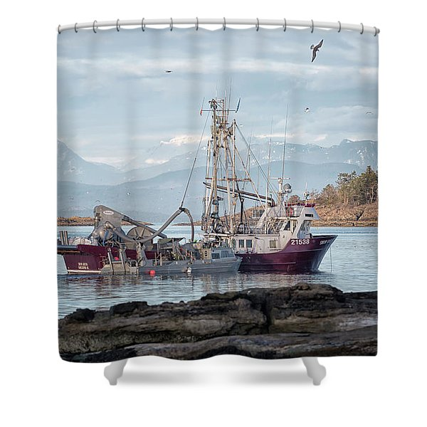 Shower Curtain featuring the photograph Snow Queen by Randy Hall