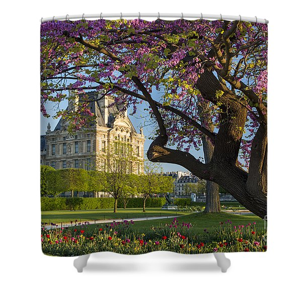 Shower Curtain featuring the photograph Springtime In Paris by Brian Jannsen