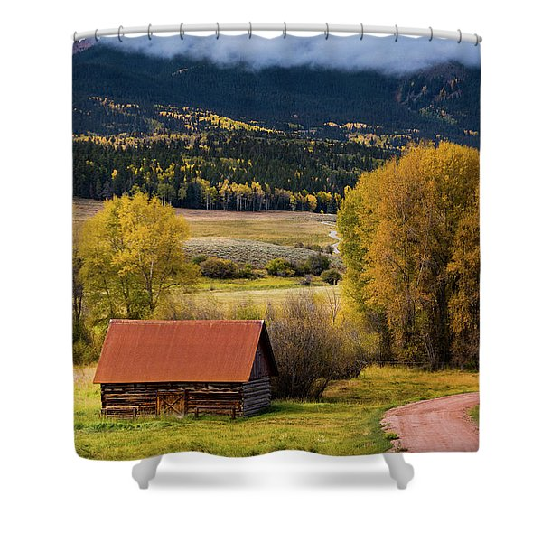 Shower Curtain featuring the photograph The Old Barn On Ohio Pass by John De Bord