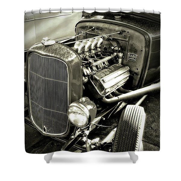 Traditional Hemi Bw Shower Curtain