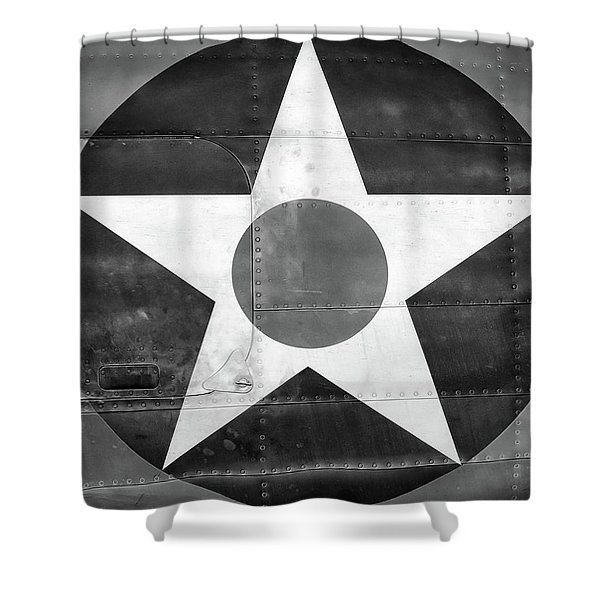 Us Roundel, In Black And White - 2017 Christopher Buff, Www.aviationbuff.com Shower Curtain
