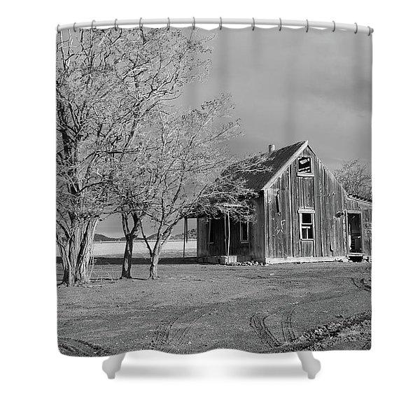 Early Settlers Farm House Shower Curtain