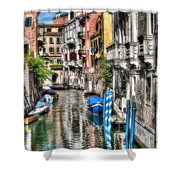 Viale Di Venezia Shower Curtain