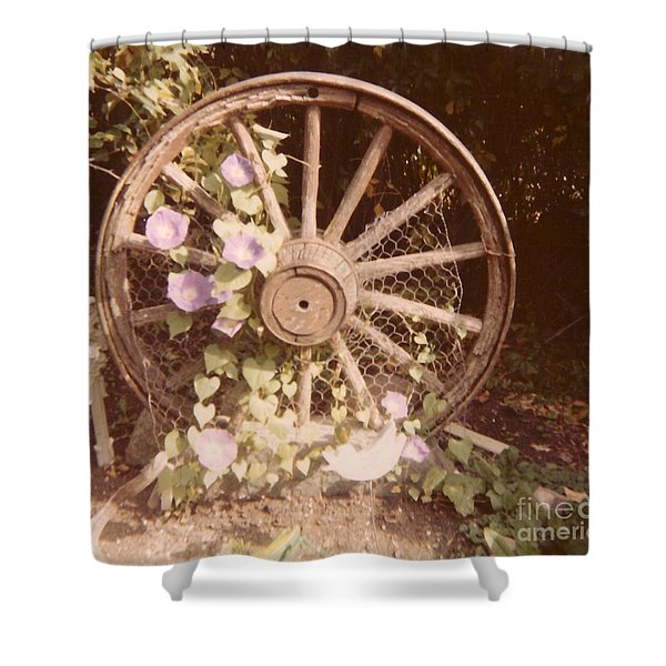 Wagon Wheel Memoir Shower Curtain