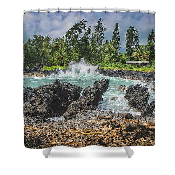Waves Crashing Kawee Point Shower Curtain