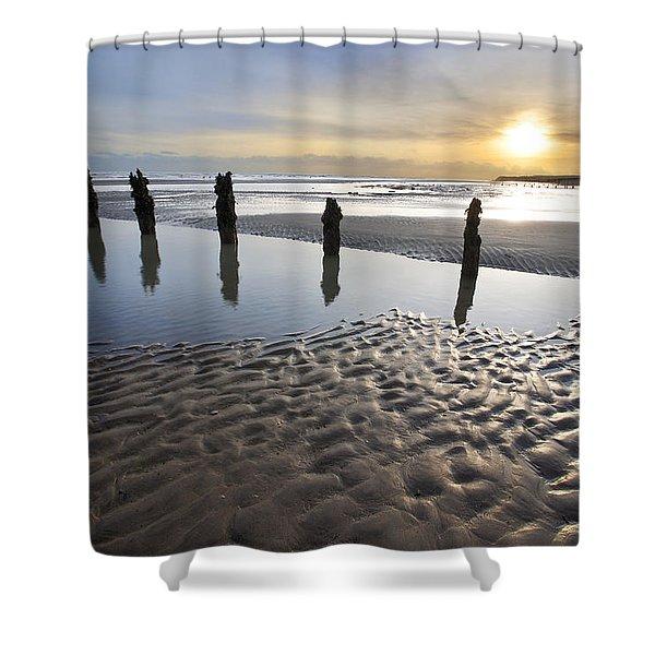 Winchelsea Beach At Dusk Shower Curtain