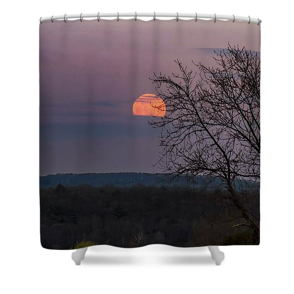 Shower Curtain featuring the photograph Winter Moonrise by Sven Kielhorn
