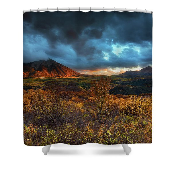Shower Curtain featuring the photograph The Last Light by John De Bord