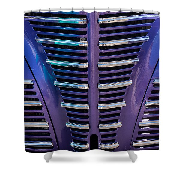 Shower Curtain featuring the photograph Purple Grill by Tom Gresham