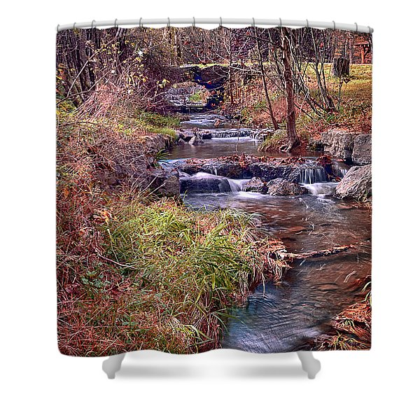 Sinoquippie Run Shower Curtain