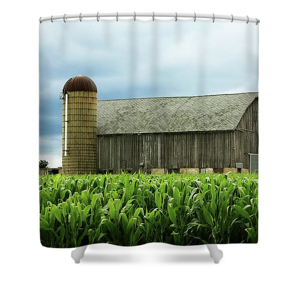 Weathered Old Barn Shower Curtain