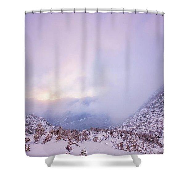Shower Curtain featuring the photograph Winter Morning Light Tuckerman Ravine by Jeff Sinon