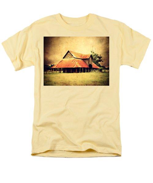 Old Texas Barn Men's T-Shirt  (Regular Fit)