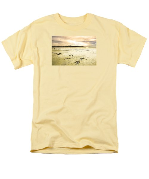 At Caroline Bay Timaru New Zealand Men's T-Shirt  (Regular Fit) by Nareeta Martin