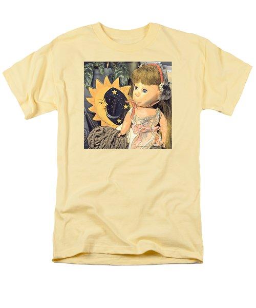 Moon Pearl Men's T-Shirt  (Regular Fit) by Tobeimean Peter