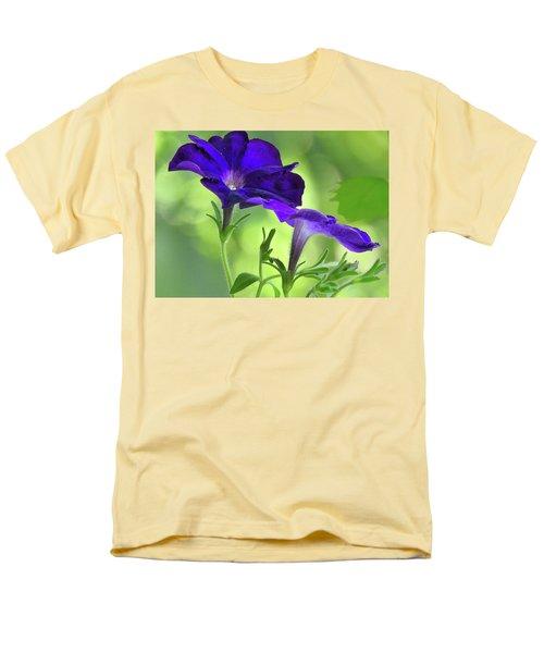 Simple And Undemanding Men's T-Shirt  (Regular Fit) by Laura Ragland