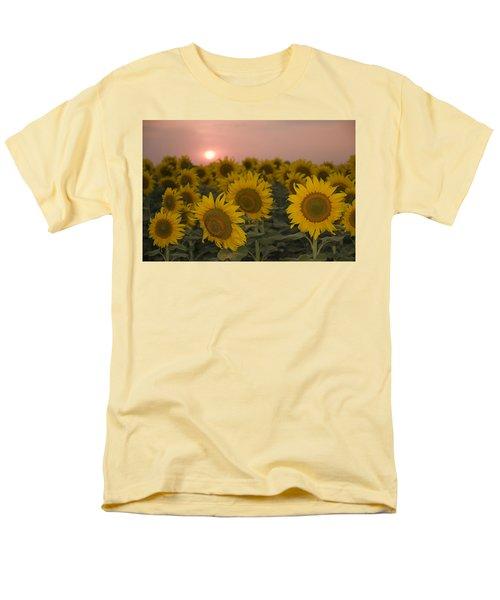 Skn 2178 The Sunflowers At Sunset  Men's T-Shirt  (Regular Fit) by Sunil Kapadia