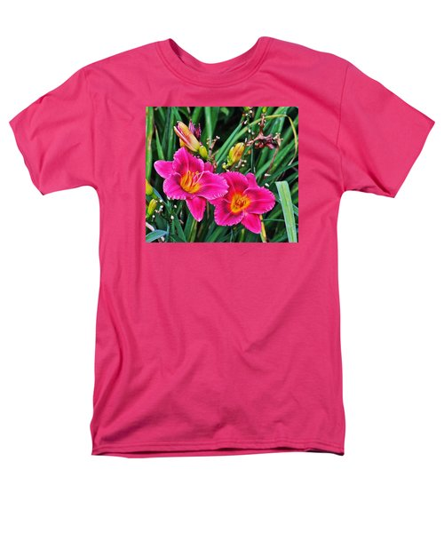 Glorious Daylilies Men's T-Shirt  (Regular Fit) by Janis Nussbaum Senungetuk
