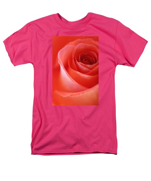 Une Rose Si Belle Men's T-Shirt  (Regular Fit) by The Art Of Marilyn Ridoutt-Greene