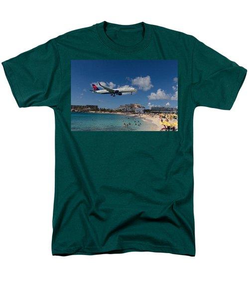 Delta Air Lines Landing At St Maarten Men's T-Shirt  (Regular Fit) by David Gleeson