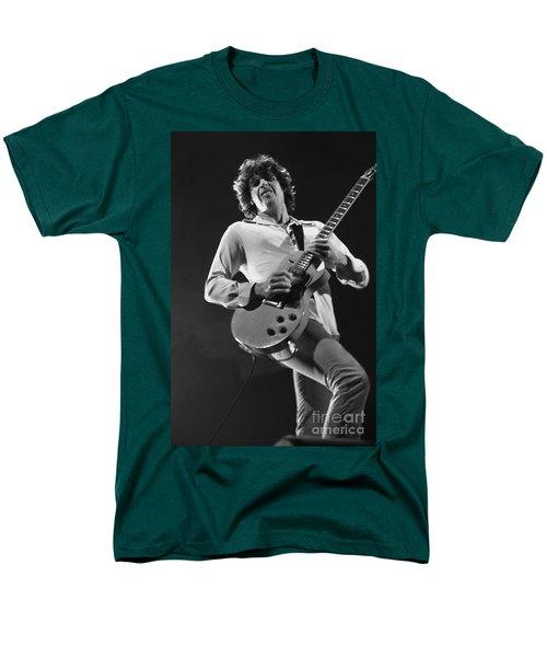 Stone Temple Pilots - Dean Deleo Men's T-Shirt  (Regular Fit) by Concert Photos
