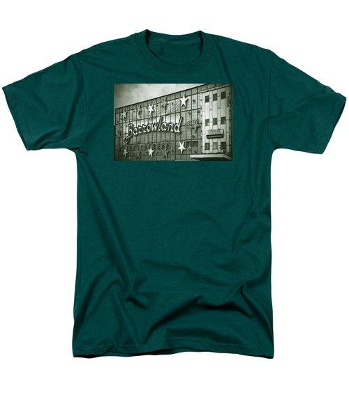 Barrowland Glasgow Men's T-Shirt  (Regular Fit) by Liz Leyden