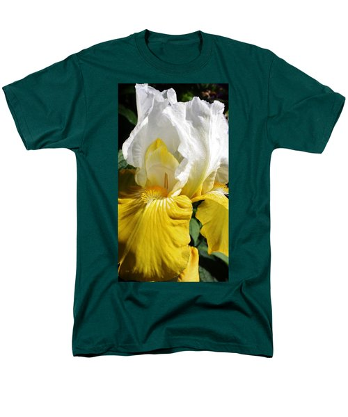 Men's T-Shirt  (Regular Fit) featuring the photograph Beauty For The Eye by Bruce Bley