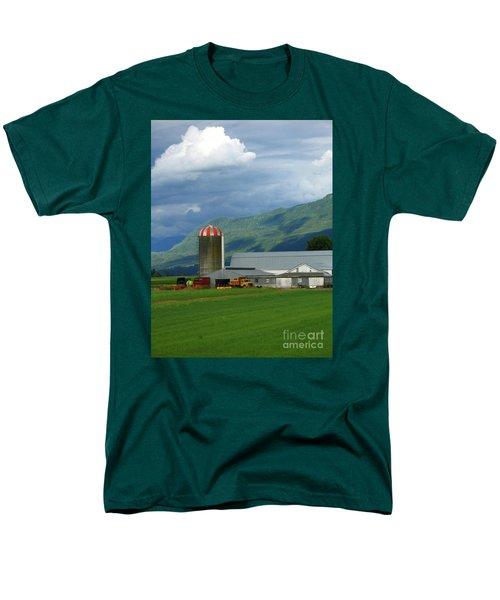 Farm In The Valley Men's T-Shirt  (Regular Fit)