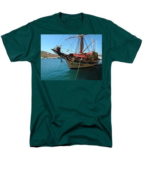 The Pirate Ship  Men's T-Shirt  (Regular Fit)