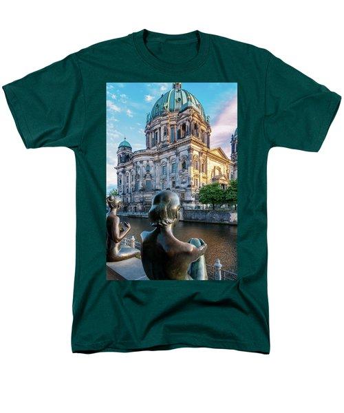 Berlin Men's T-Shirt  (Regular Fit)
