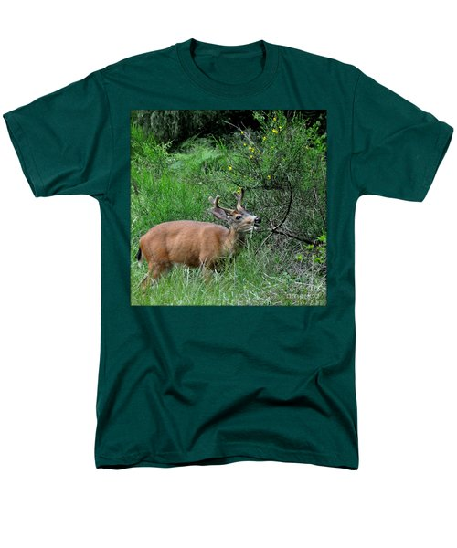 Men's T-Shirt  (Regular Fit) featuring the photograph Deer Brunch by Tanya Searcy