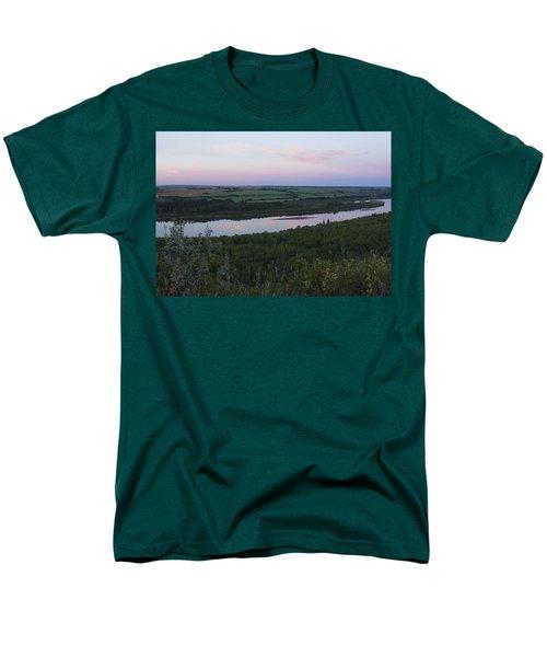 Pine Island Men's T-Shirt  (Regular Fit) by Ellery Russell