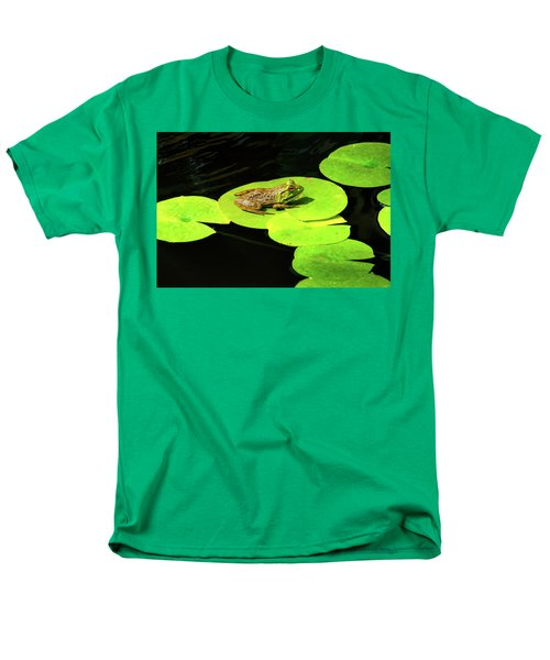 Men's T-Shirt  (Regular Fit) featuring the photograph Blending In by Greg Fortier