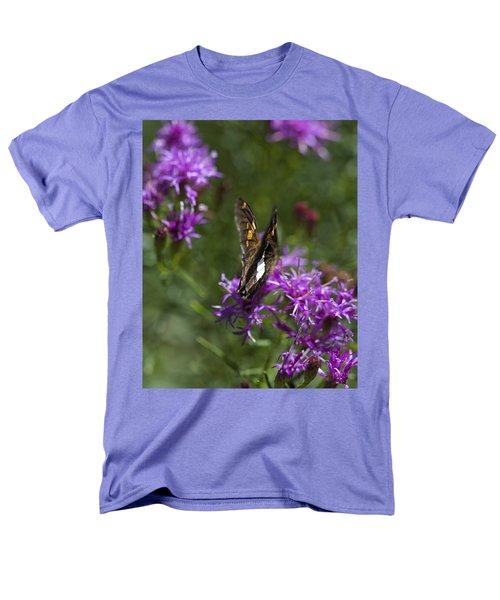 Beauty In The Garden Men's T-Shirt  (Regular Fit)
