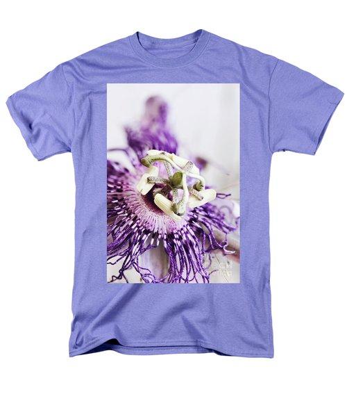 Passion Flower Men's T-Shirt  (Regular Fit)