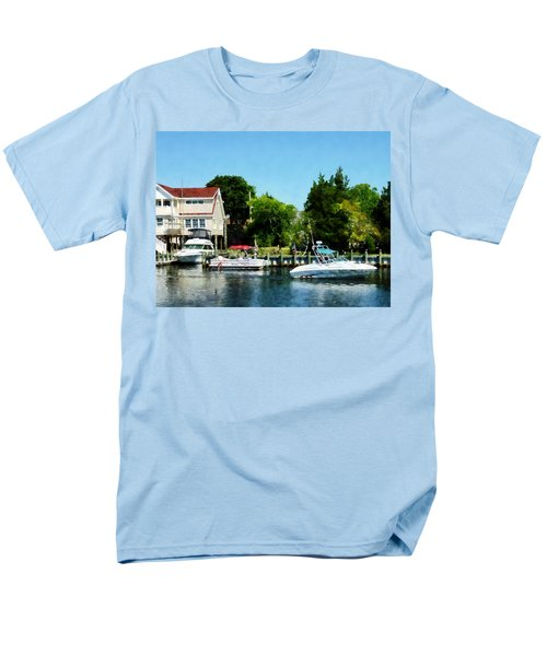 Men's T-Shirt  (Regular Fit) featuring the photograph Cabin Cruisers by Susan Savad