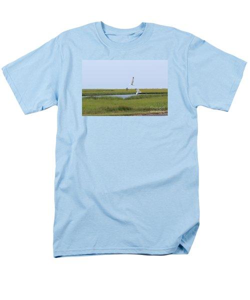 Men's T-Shirt  (Regular Fit) featuring the photograph Crabber by David Jackson