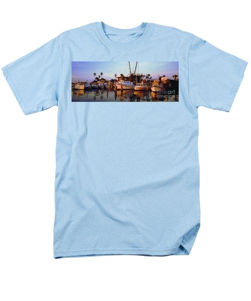 Men's T-Shirt  (Regular Fit) featuring the photograph Daytona Sonny Boy And Miss Hazel by Tom Jelen