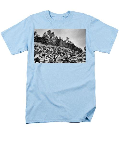 Devils Postpile National Monument Men's T-Shirt  (Regular Fit)