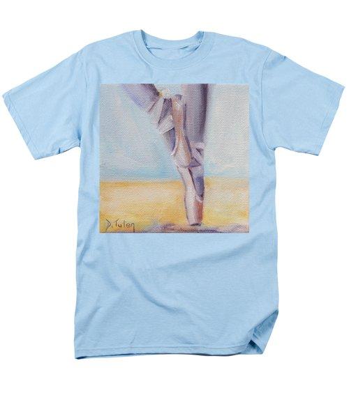 En Pointe Men's T-Shirt  (Regular Fit)